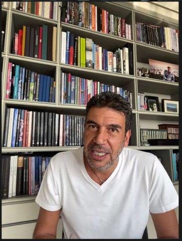 Arturo Elías Ayub Beca UP