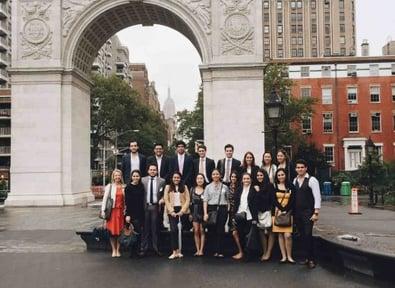 estudiantes-de-administracion-y-direccion-viajar-a-nueva-york-a-conocer-el-sector-financiero.jpg