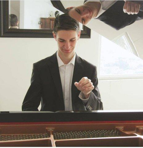 Pianista EBA UP 2