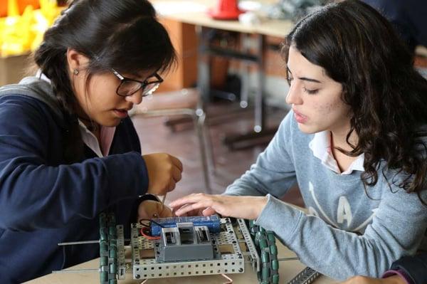 prepa-para-mujeres-taller-robotica