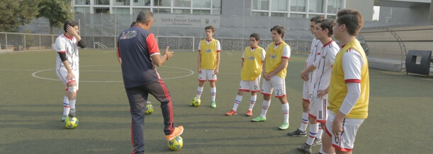 beneficios-practicar-futbol-en-adolescencia