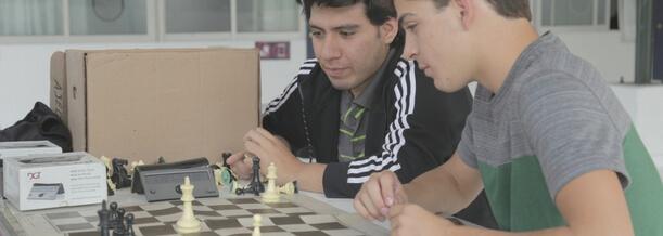 taller-de-ajedrez-beneficios-adolescentes-prepa-para-hombres