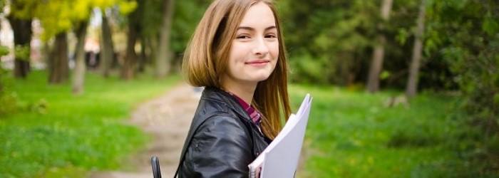 ¿De qué maneras beneficia a las jóvenes la certificación en inglés de Cambridge?